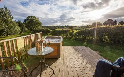 SUMMER GLAMPING HOLIDAY OFFER