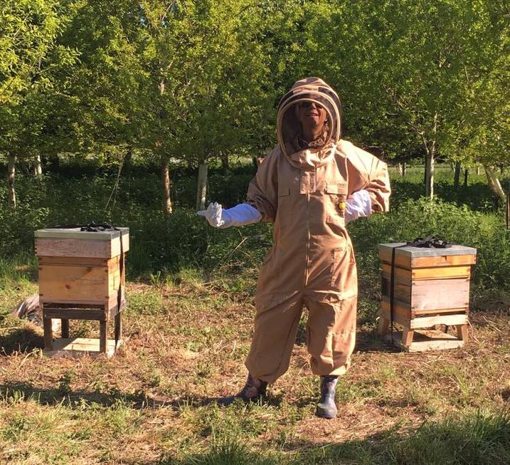 Melanie_Bee_Keeper_Harvesting_Bees